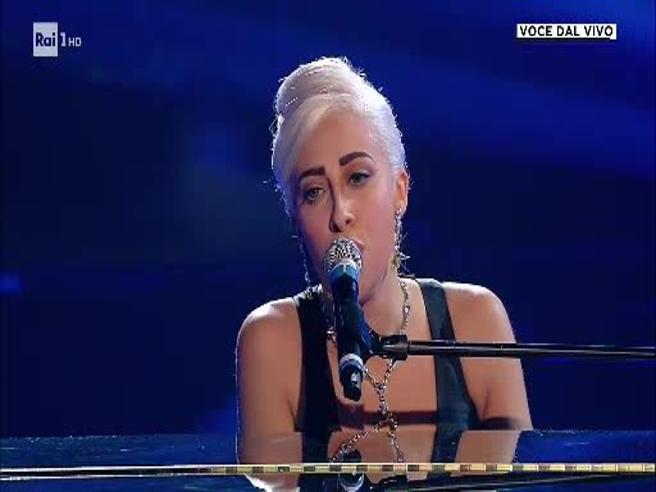 «Tale e Quale Show», Veronica Perseo trionfa (ed emoziona) trasformandosi in Lady Gaga