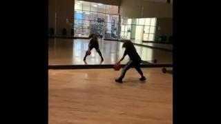 Basket, l'allenamento riflesso allo specchio