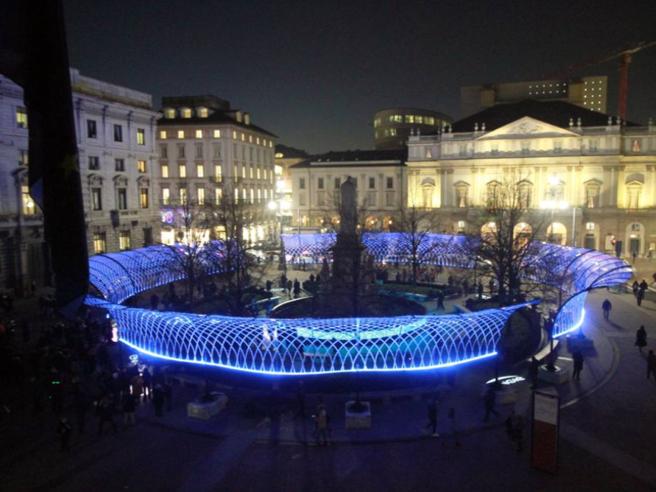 Scala, aspettando la «Tosca»: ecco la piazza della «Prima» Diretta video