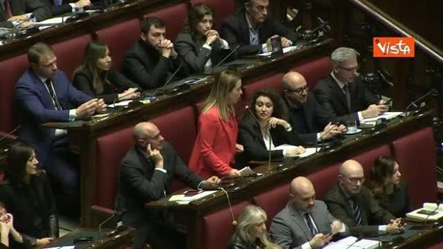 bandiere rosse in un profilo di appuntamenti di una donna