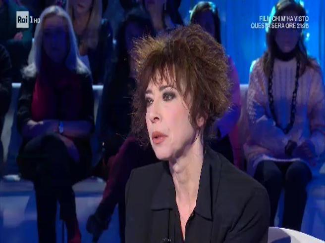 Veronica Pivetti, la confessione: «La depressione' Siamo tutti imperfetti, ma non bisogna vergognarsi»