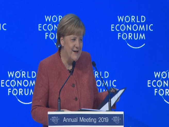 Merkel: «Io cattiva? Grazie alle politiche di austerità Portogallo e Grecia sono tornati a crescere»