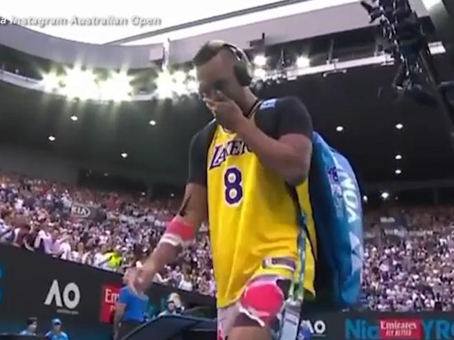 Morte Kobe Bryant, Kyrgios lo ricorda agli Australian Open e indossa la maglia numero 8 dei Lakers