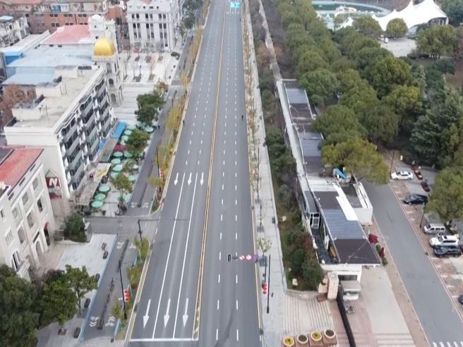 Coronavirus, le immagini dall'alto della città fantasma di Wuhan