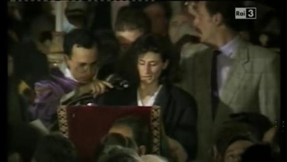 Mafia, l'urlo della vedova Schifani ai funerali di Falcone: «Vi perdono, però vi dovete mettere in ginocchio»