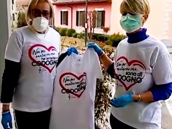 «Non per vantarmi ma sono di Codogno»: la maglietta solidale per sostenere la Croce Rossa