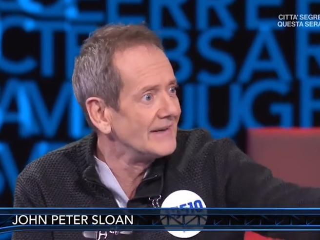 John Peter Sloan, attore e comico di Zelig. Aveva 51 anni