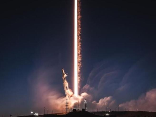SpaceX, la Nasa torna nello spazio:  Crew Dragon pronta al d