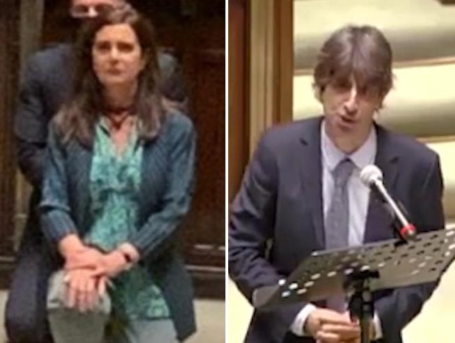 Commemorazione Floyd, Boldrini in ginocchio: «Contro discriminazioni». Il deputato di Fratelli d'Italia: «Una sceneggiata»