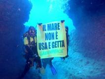 Greenpeace: «Un mare di microplastiche nel mar Tirreno». A Capraia la concentrazione più elevata