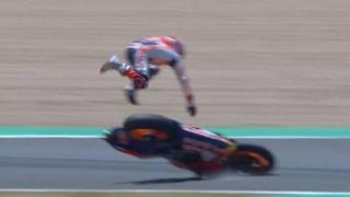 MotoGp, la brutta caduta di Marquez: ecco cosa è successo