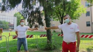 Dopo tre mesi (e quindici tamponi) Milko è ancora prigioniero del virus a Linate