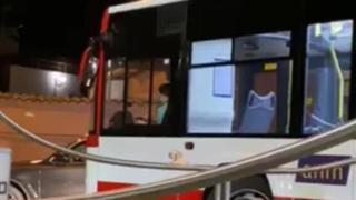 Follia a Napoli, un 15enne alla guida del bus