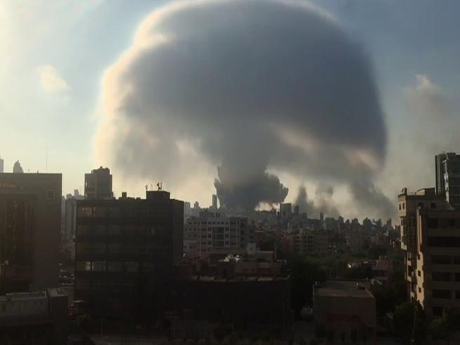 Beirut, il «fungo» dopo l'esplosione