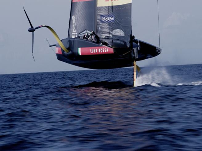 Come fa a «volare» Luna Rossa? Il design della barca da Coppa America