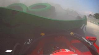 Gp di Monza, l'incidente di Leclerc alla Parabolica: Ferrari distrutta, illeso il pilota