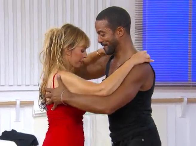 Gli allenamenti di Alessandra Mussolini e Maykel Fonts per «Ballando con le stelle 2020»
