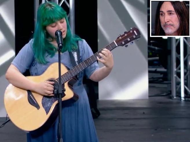 X Factor, la voce di Casadilego (16 anni) incanta e i giurati piangono per la commozione