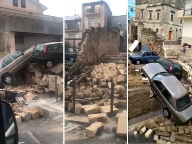 Violento nubifragio su Altamura: crolla un muro, le auto invadono la carreggiata sottostante