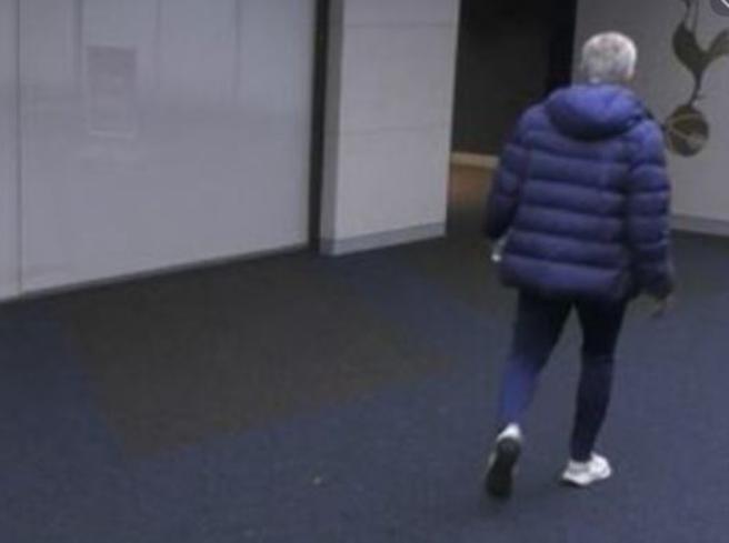 Tottenham, Dier va in bagno e Mourinho lo insegue negli spogliatoi durante il match