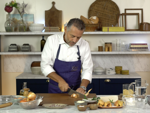 La ricetta delle conchigliette all'acciuga e spuma di stracciatella dello chef Giancarlo Perbellini