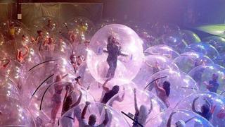 Flaming Lips: il concerto nelle bolle di plastica