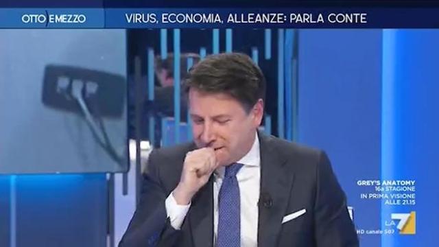 Conte stanco e raffreddato in tv: ripetuti colpi di tosse nello studio di 'Otto e Mezzo' - Corriere TV