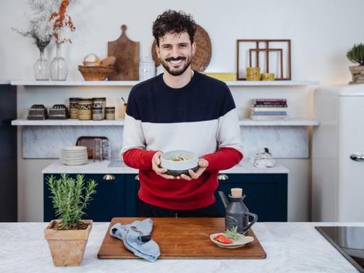 La ricetta salutare della zuppa con fagioli cannellini e finocchi di Marco Bianchi