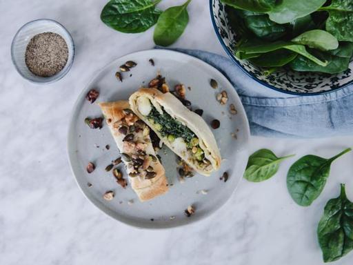 La ricetta dello strudel salato di verdure e Grana Padano