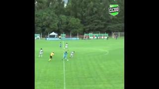 Brasile, la giocatrice segna con una rovesciata al volo