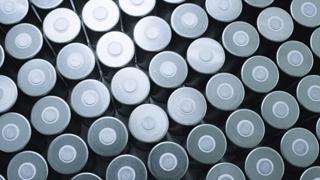 Come fa le batterie Tesla?