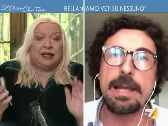 Scontro tv tra Toninelli e Maglie: «Lei fa propaganda», «Questo lo dice a sua sorella»