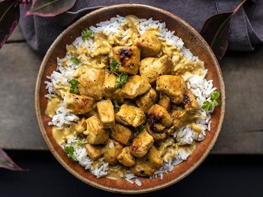 La ricetta dei bocconcini di pollo con zenzero e curry (pronti in 20 minuti)