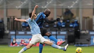 Inter-Lazio, Lukaku trascina i nerazzurri in vetta con due gol e un assist