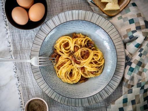 La ricetta degli spaghetti alla carbonara (pronti in 20 minuti)