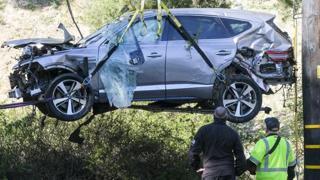 Il Suv di Tiger Woods dopo l'incidente