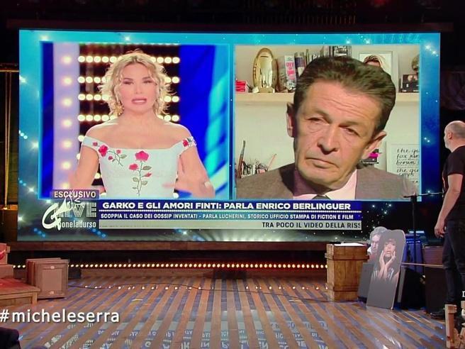 A Propaganda Live il surreale video di Enrico Berlinguer ospite di Barbara D'Urso
