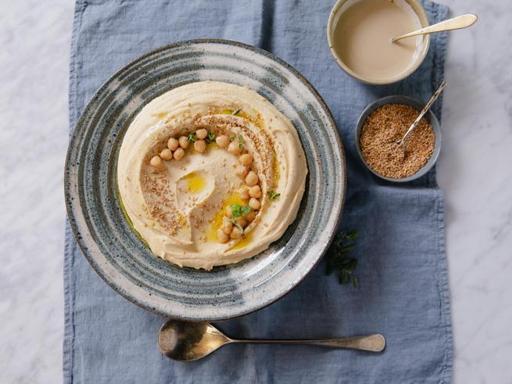 La ricetta dell'hummus di ceci: l'aperitivo perfetto pronto in 15 minuti