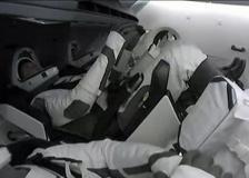 SpaceX, la Crew Dragon 2 attracca alla Stazione Spaziale Internazionale