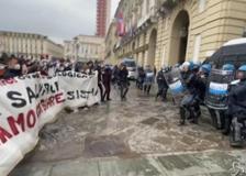 Primo Maggio: scontri tra No Tav e polizia a Torino