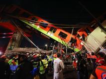 Città del Messico, cede un ponte mentre passa la metropolitana: il momento del crollo in un video
