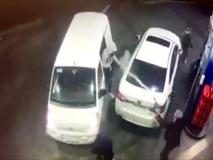Ecco come questo guidatore alla pompa di benzina fa scappare i ladri