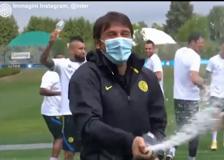 Inter, prosegue la festa scudetto ad Appiano Gentile con il presidente Zhang