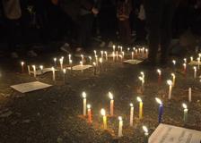 Bogotà, veglia a lume di candela nel nono giorno di proteste contro la brutalità della polizia