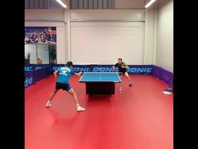 Ping pong, l'allenamento è una scarica di colpi