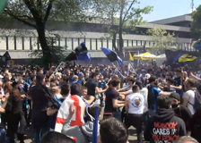 Inter in festa, cori e esultanze dei tifosi a San Siro