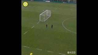 Turchia, l'allenatore fa gol da dietro la porta