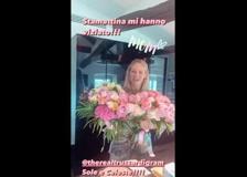 Michelle Hunziker, fiori e dediche dalle tre figlie