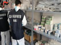 Covid, blitz del Nas nelle strutture per anziani: il 25 per cento era irregolare«Trovati 87 sanitari non vaccinati»