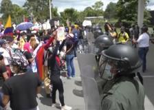 Colombia, scontri tra protestanti e polizia dopo la morte di una 17enne